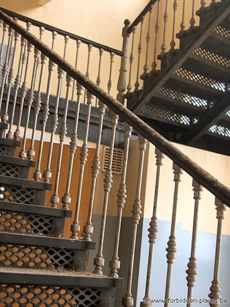 Verviers barracks - (c) Forbidden Places - Sylvain Margaine - Nice stairs