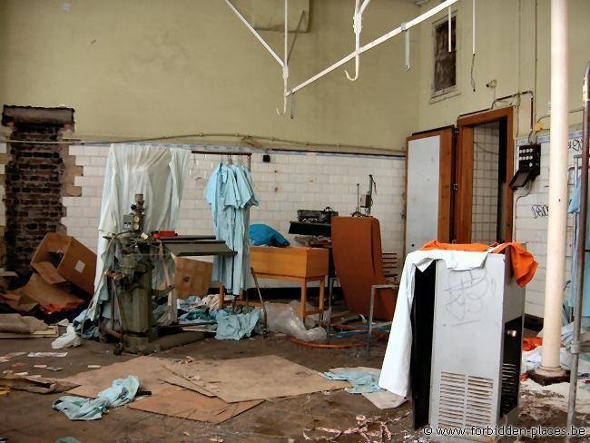 Le Valdor hospital - (c) Forbidden Places - Sylvain Margaine - Laundry room