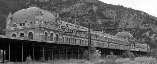 Canfranc railway station - Click to enlarge!