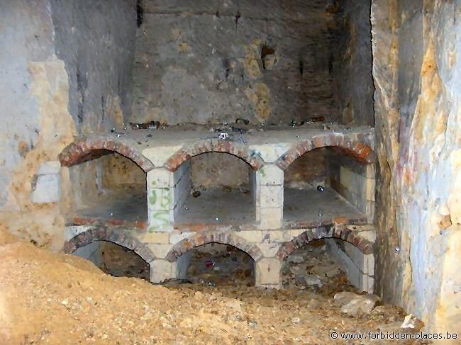 Caestert underground quarries - (c) Forbidden Places - Sylvain Margaine - An abandonned bread oven