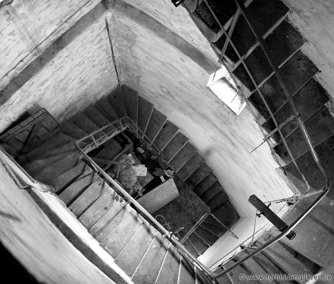 Otzenrath ghost town - (c) Forbidden Places - Sylvain Margaine - Climbing to the bell tower