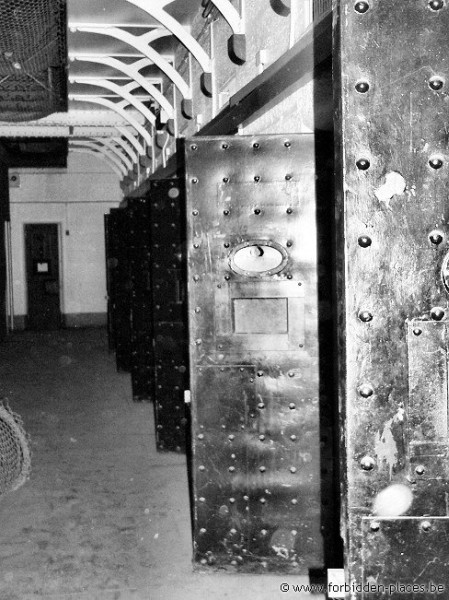H.M. Melbourne's Pentridge prison - (c) Forbidden Places - Sylvain Margaine - Cells doors - ground floor