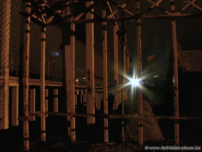 H.M. Melbourne's Pentridge prison - (c) Forbidden Places - Sylvain Margaine - Ramparts @ night