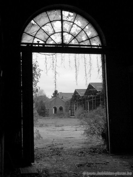 Verlipack Jumet - (c) Forbidden Places - Sylvain Margaine - Windows, 2/5