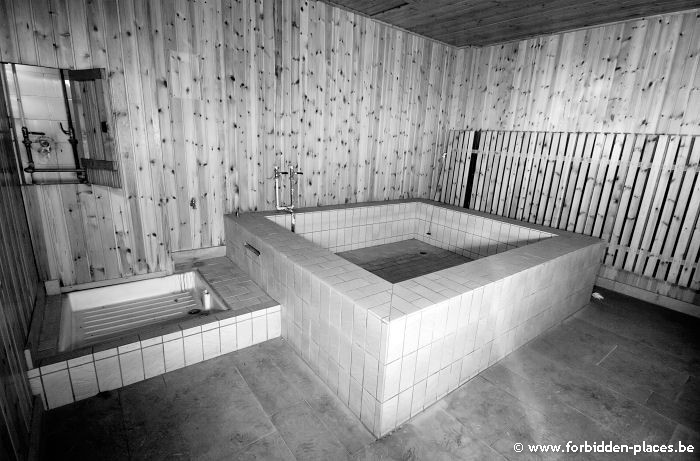 La piscina de la Sauvenière - (c) Forbidden Places - Sylvain Margaine - The old sauna.