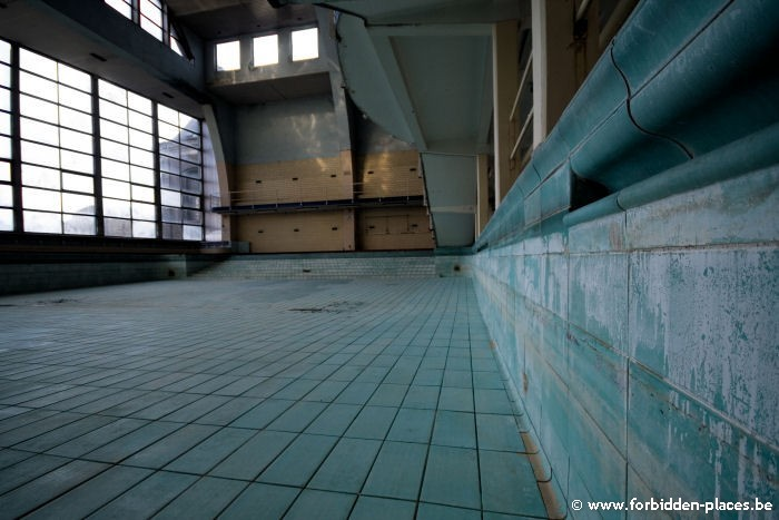 The Sauvenière's swimming-pool - (c) Forbidden Places - Sylvain Margaine - 1m60, non-swimmers
