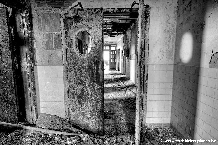 Sea View Children Hospital - (c) Forbidden Places - Sylvain Margaine - Corridor
