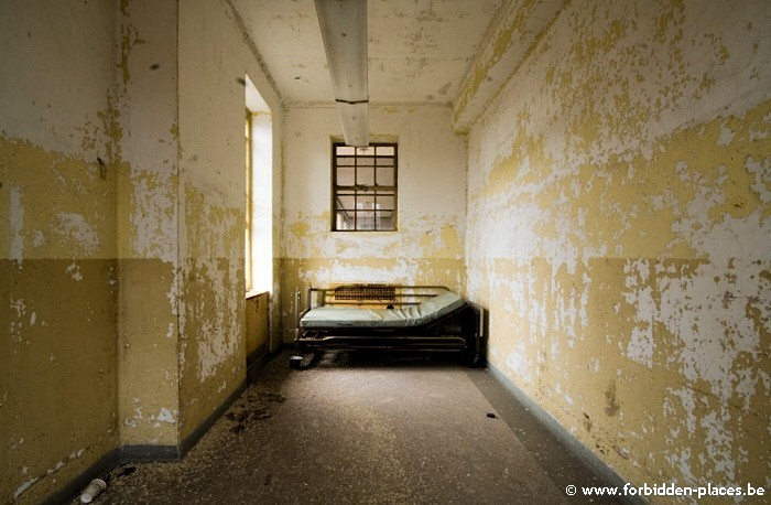 Sea View Children Hospital - (c) Forbidden Places - Sylvain Margaine - Loneliness