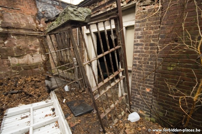 Old Newark county Jail - (c) Forbidden Places - Sylvain Margaine - 21. The dangerous door