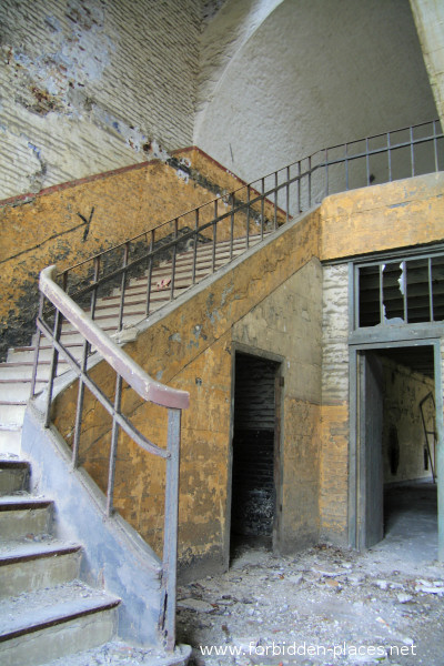 Fort de la Chartreuse, Liège - (c) Forbidden Places - Sylvain Margaine - 19- More stairs