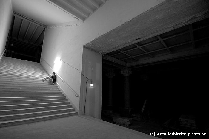 Le palais de Chaillot - (c) Forbidden Places - Sylvain Margaine - Stairs
