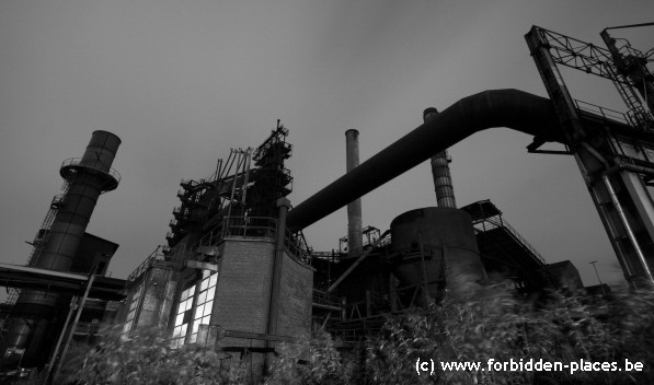 The mysterious steelworks - Click to enlarge!