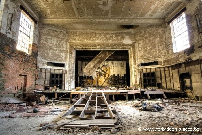 Gary, Indiana, ghost town - (c) Forbidden Places - Sylvain Margaine - 3