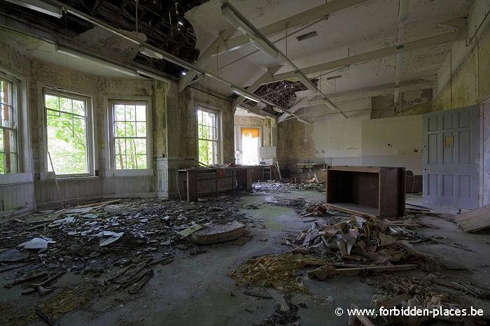 Hellingly hospital (East sussex mental asylum) - (c) Forbidden Places - Sylvain Margaine - Chaos
