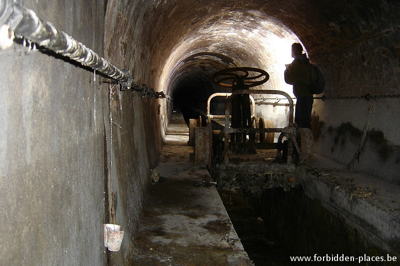 Brussels underground sewers and drains system - (c) Forbidden Places - Sylvain Margaine - Old river Senne, before Bourse station