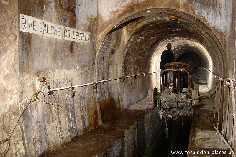 Brussels underground sewers and drains system - (c) Forbidden Places - Sylvain Margaine - Bourse main sewer, again