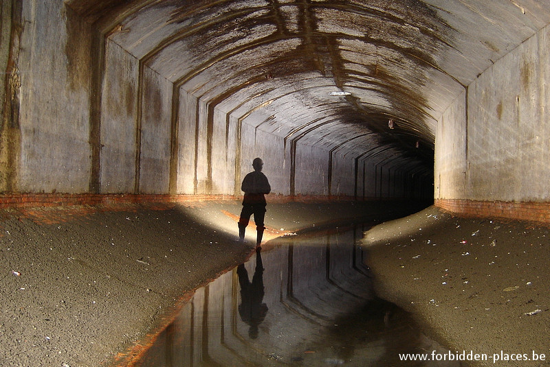 Brussels underground sewers and drains system - (c) Forbidden Places - Sylvain Margaine - Saint Christophe main sewer