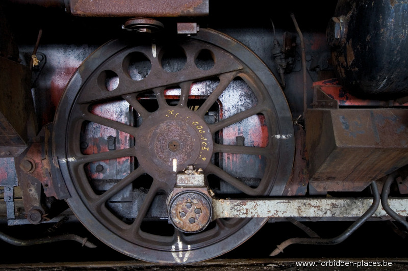 El cementerio de locomotoras - (c) Forbidden Places - Sylvain Margaine - These wheels are just awesome