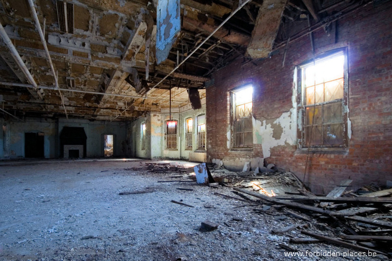 Hudson River State Hospital - (c) Forbidden Places - Sylvain Margaine - 10 - Atic