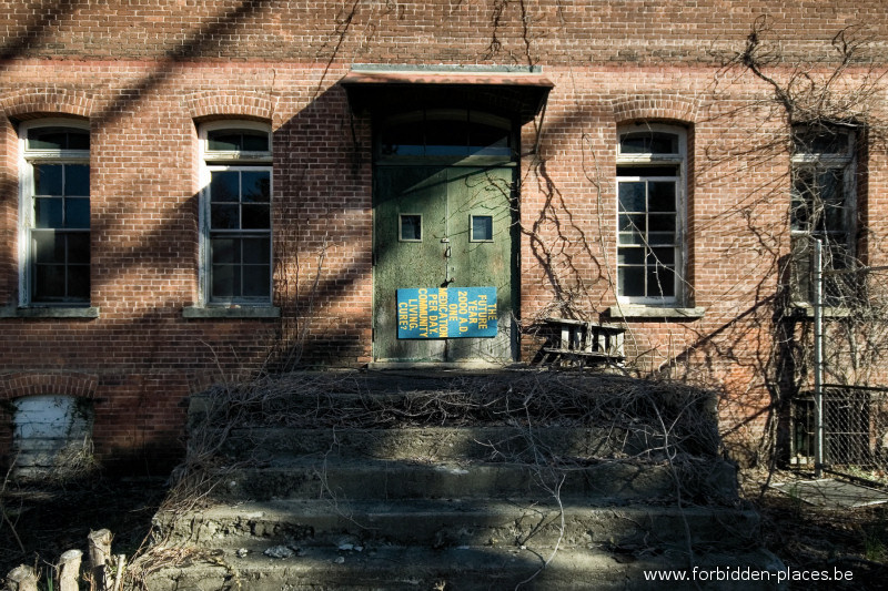 Hudson River State Hospital - (c) Forbidden Places - Sylvain Margaine - 12 - The canteen