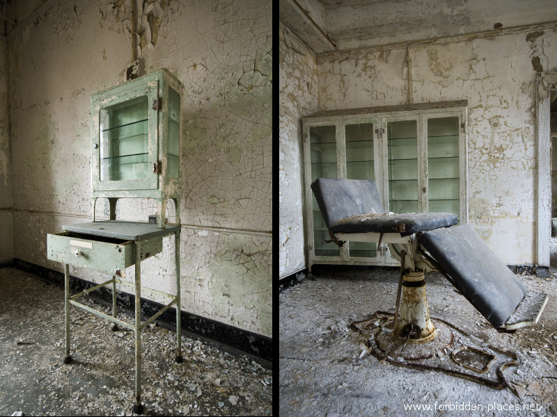 New Jersey State Hospital for the Insane - (c) Forbidden Places - Sylvain Margaine - 16 - Display cabinets.