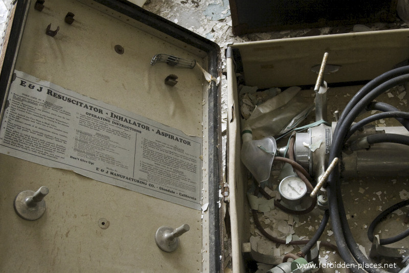 New Jersey State Hospital for the Insane - (c) Forbidden Places - Sylvain Margaine - 24 - The 'Recussitator'.