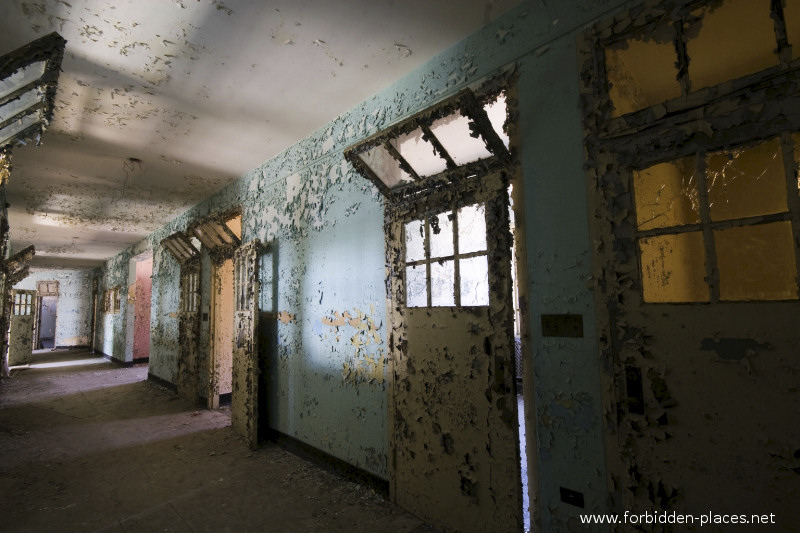 New Jersey State Hospital for the Insane - (c) Forbidden Places - Sylvain Margaine - 28 - One more hall.