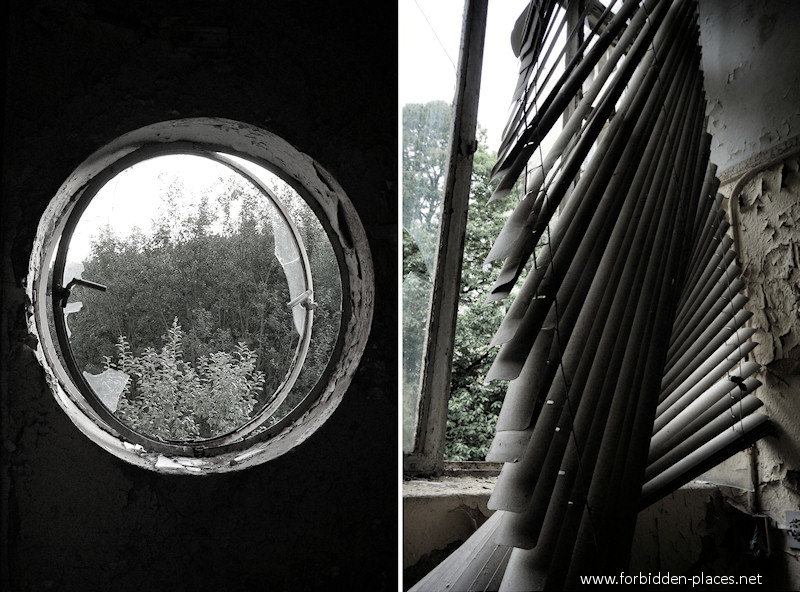 Joseph Lemaire's Sanatorium - (c) Forbidden Places - Sylvain Margaine - 4 - Porthole and window.