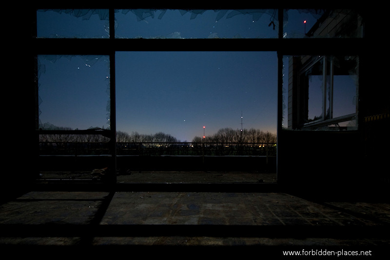 Joseph Lemaire's Sanatorium - (c) Forbidden Places - Sylvain Margaine - 4- Sight from a room.