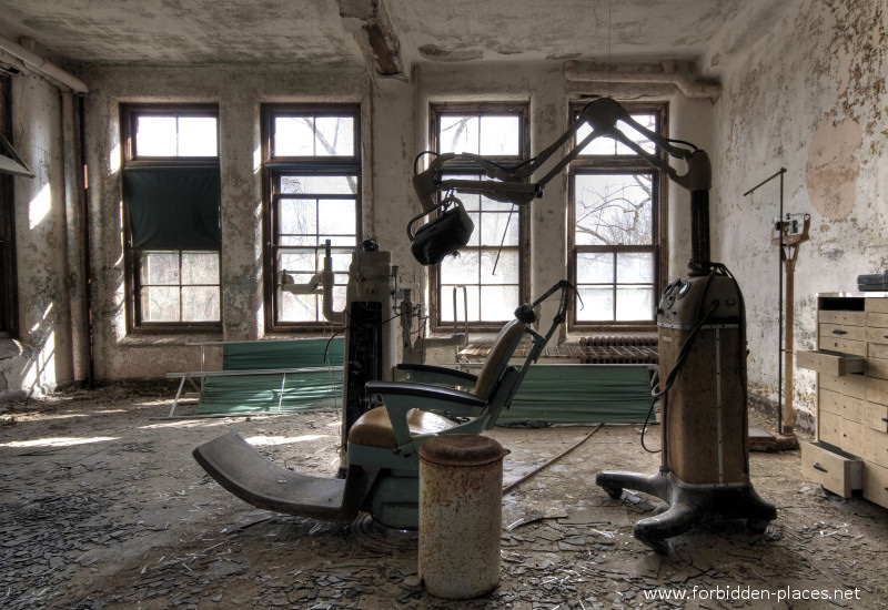 El asilo de Norwich - (c) Forbidden Places - Sylvain Margaine - 5- The Dentist.