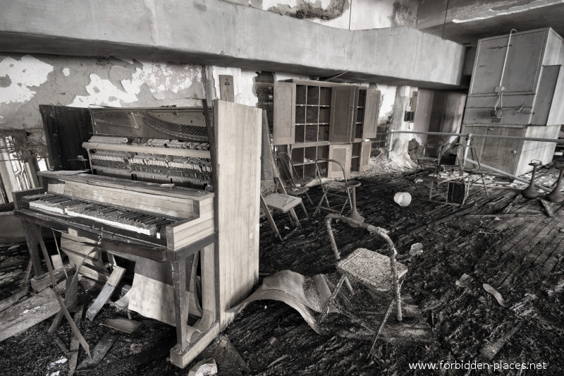 El asilo de Norwich - (c) Forbidden Places - Sylvain Margaine - 12 - Entertainment room.