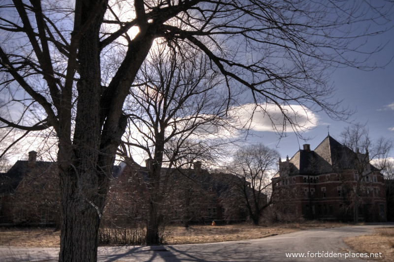 El asilo de Norwich - (c) Forbidden Places - Sylvain Margaine - 19 - Norwich at sunset.