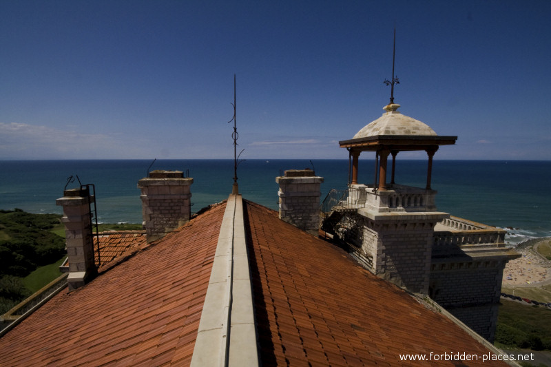 El Castillo de Ilbarritz - (c) Forbidden Places - Sylvain Margaine - 19 - On the roof.