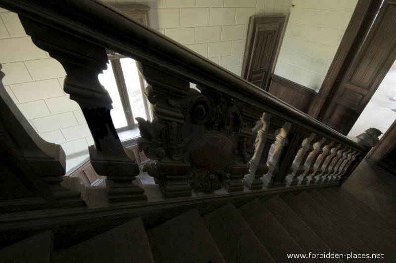 El Castillo de Ilbarritz - (c) Forbidden Places - Sylvain Margaine - 3- The banister.