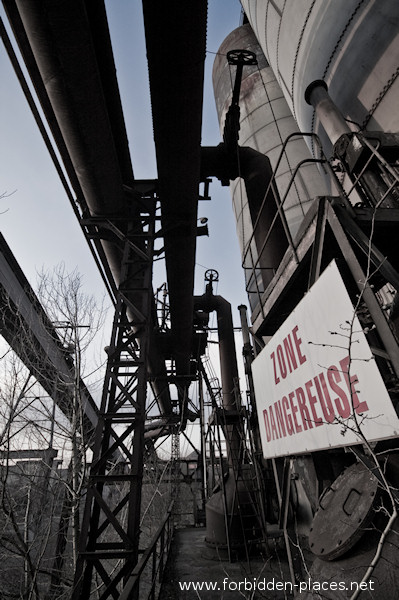 Uckange Blast Furnace - (c) Forbidden Places - Sylvain Margaine - 4- Gas pipes.