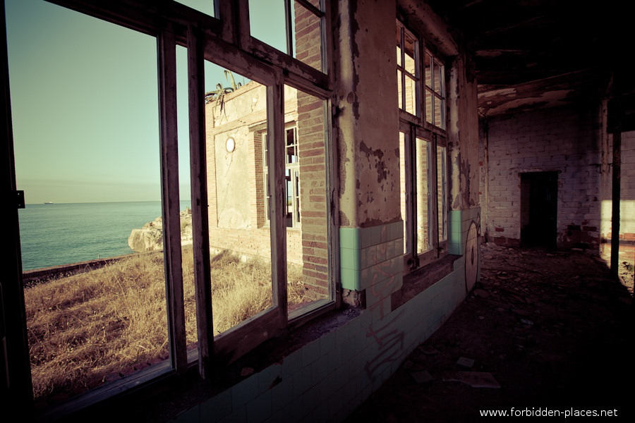 Sabinosa's Sanatorium - (c) Forbidden Places - Sylvain Margaine - 7 - A room with a view.