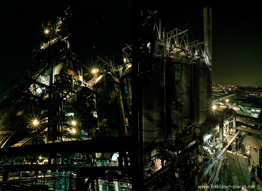 CdK's Blast Furnace - (c) Forbidden Places - Sylvain Margaine - 17 - Yellow and green