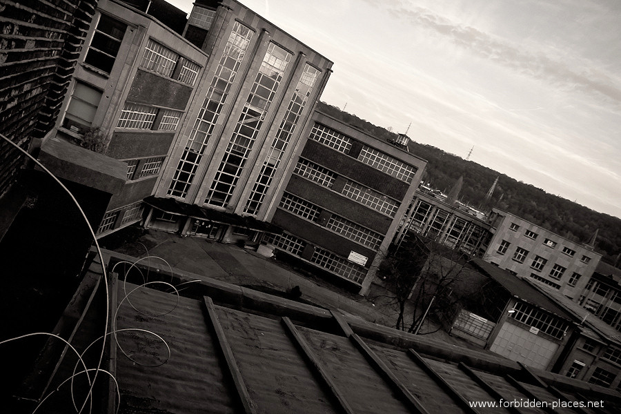 Val Beno�t's University - (c) Forbidden Places - Sylvain Margaine - 5- Rooftops.