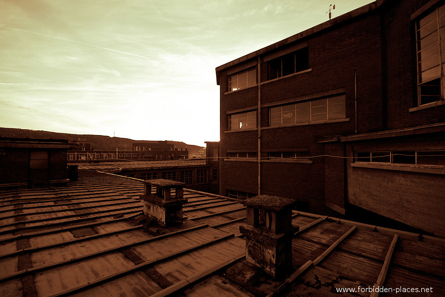 Val Beno�t's University - (c) Forbidden Places - Sylvain Margaine - 9 - Sunset.