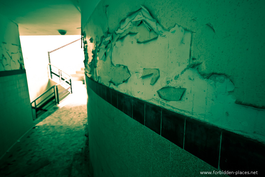 The Hôpital de la Marine - (c) Forbidden Places - Sylvain Margaine - 5- Hospital corridor.