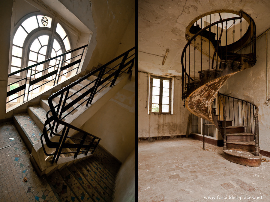 El Hospital de la Marina - (c) Forbidden Places - Sylvain Margaine - 9 - More stairways.