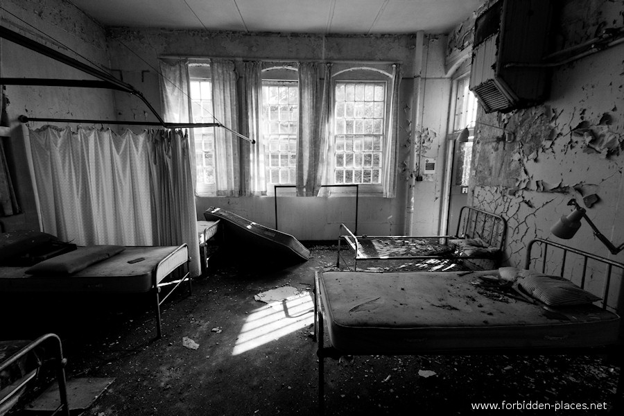 El Asilò de Cane Hill - (c) Forbidden Places - Sylvain Margaine - 2- Commmon rooms.
