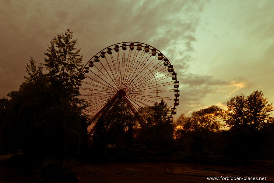 Spreepark - El Parque de Attractiones Abandonado - (c) Forbidden Places - Sylvain Margaine - 11- Typical Berliner sight