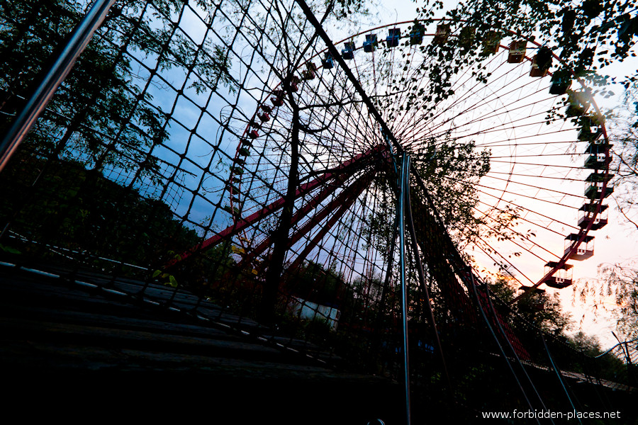 Spreepark - El Parque de Attractiones Abandonado - (c) Forbidden Places - Sylvain Margaine - 17- Jungle