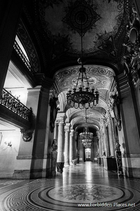 The Palais Garnier - (c) Forbidden Places - Sylvain Margaine - 17 - The chandeliers' gallery...