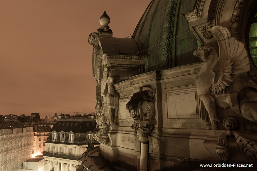 The Palais Garnier - (c) Forbidden Places - Sylvain Margaine - 25 - The entrance / exit...