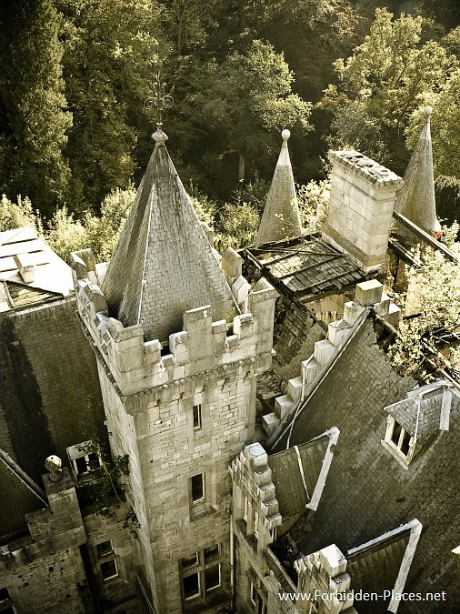 The Castle of Noisy - Miranda - (c) Forbidden Places - Sylvain Margaine - 2- Ruins of the roof.