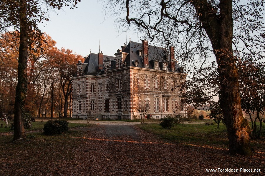 Abandoned Castles from South West of France - (c) Forbidden Places - Sylvain Margaine - 2- Le chateau de Mont.