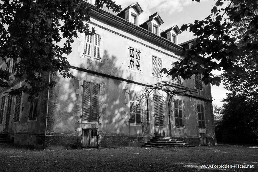 Abandoned Castles from South West of France - (c) Forbidden Places - Sylvain Margaine - 18 - Closed (2)