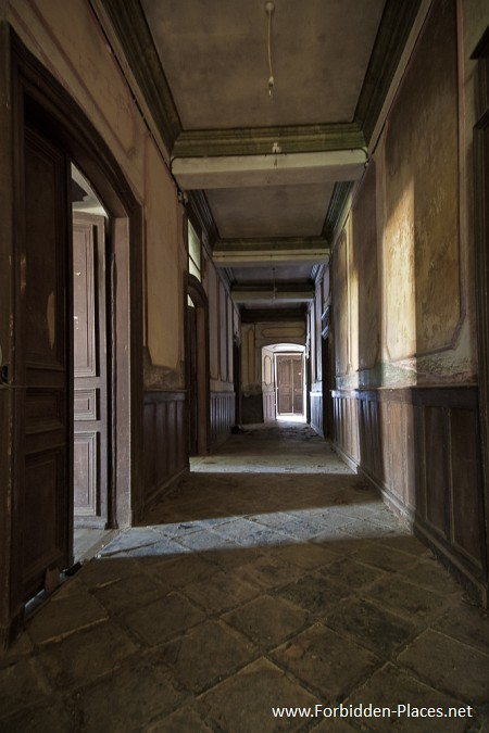 Abandoned Castles from South West of France - (c) Forbidden Places - Sylvain Margaine - 19 - Empty